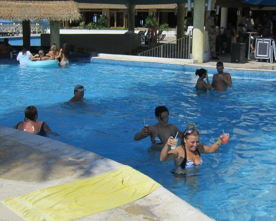Sunscape Splash Montego Bay:                   main pool and swim up bar