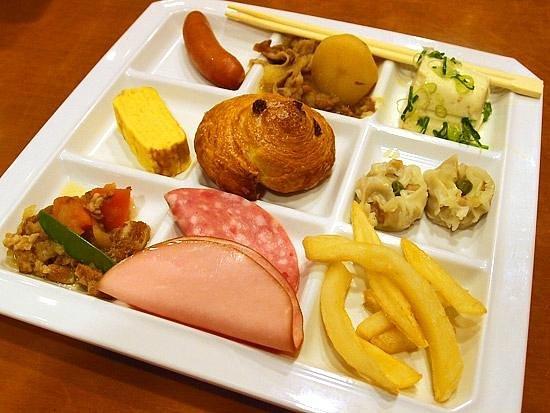 Yufuin Sansuikan :                   Breakfast