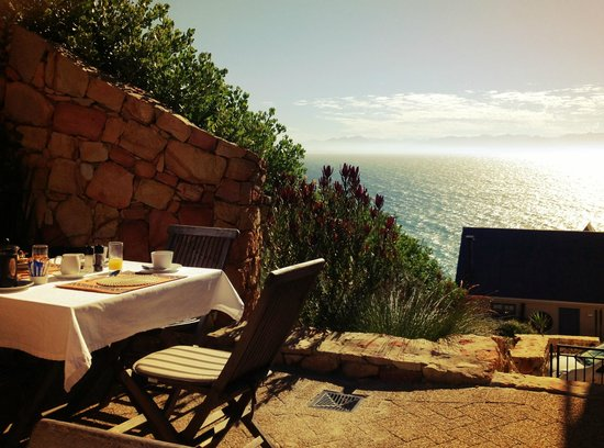 Simonstown Guest House:                   Breakfast on the terrace