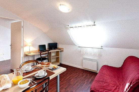 ResidHotel Saint Etienne Centre : Guest Room