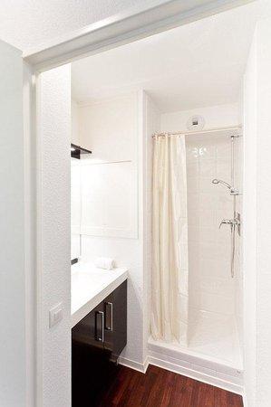 ResidHotel Saint Etienne Centre: Guest Bathroom