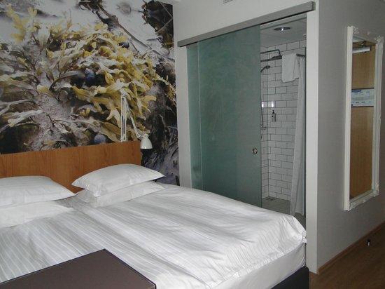 Icelandair Hotel Reykjavik Marina:                   Hotel Room