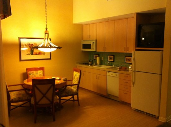 Welk Resort San Diego:                   Kitchen/Dining