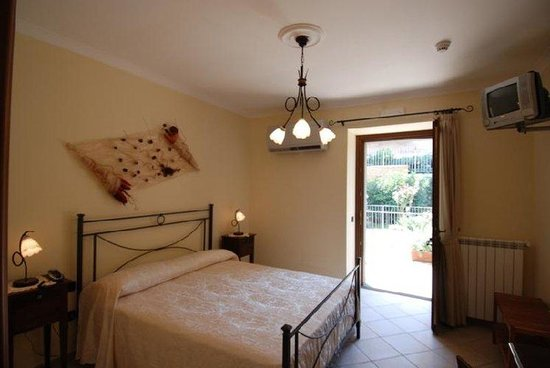 Hotel Pace Pompei: Guest Room