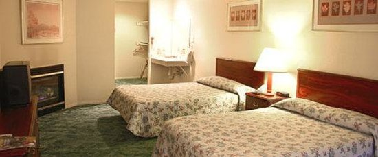 Vintage Lakeside Inn: Vintage Lakeside Resort DDGuestroom
