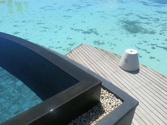 Constance Halaveli:                                                       water villa