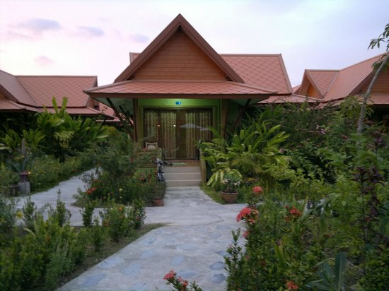 Gerd and Noi Resort:                   Pool-front bungalow.