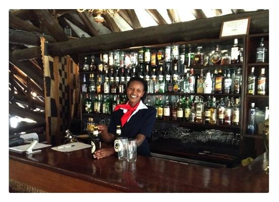 Safari Park Hotel:                   Hemingways bar is excellent and staff are happy, proud and efficient.