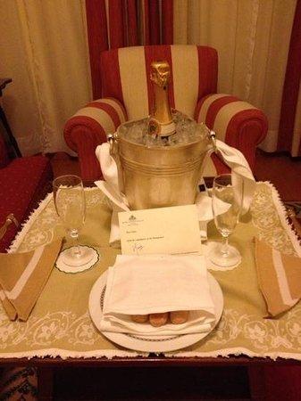 Hotel Avenida Palace:                   välkomnande