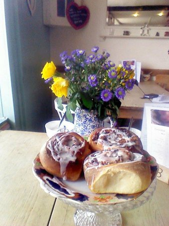 Steyning Tea Rooms: cinnamon buns fresh from the oven