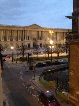 Hotel de la Place du Louvre:                   vue depuis la chambre DALI- Le LOUVRE