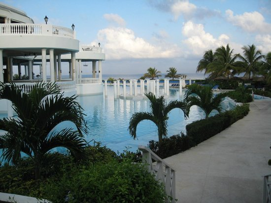 Grand Palladium Jamaica Resort & Spa:                                     Piscine