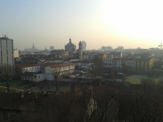 Espressohotel Milano Corso Genova:                   panorama da una stanza del sesto piano