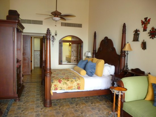 Hacienda Encantada Resort & Residences:                   Room