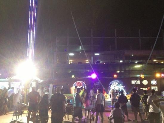 2Sky Pattaya-Rocket Ball:                   the area full of people