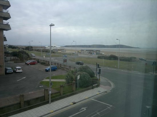 Premier Inn Weston-Super-Mare (Seafront) Hotel:                   View from 111