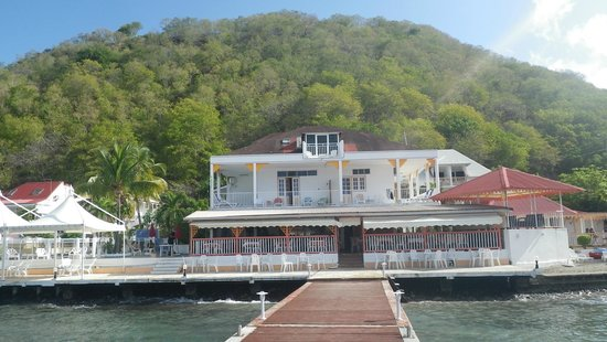 Hotel Kanaoa Les Saintes:                   Hôtel vue de leur ponton