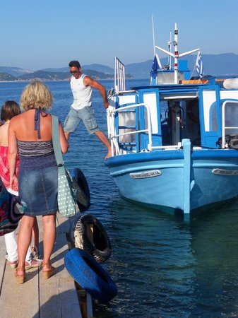 Cape Kanapitsa Hotel & Suites:                   Water taxi from beach
