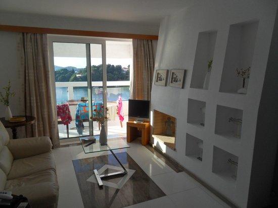 Cape Kanapitsa Hotel & Suites :                   Suite