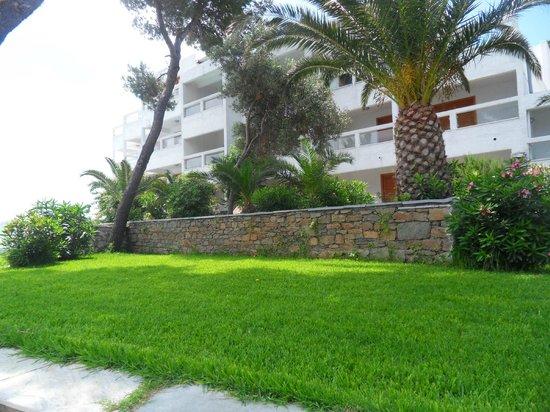Cape Kanapitsa Hotel & Suites:                   Hotel