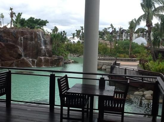 Radisson Blu Resort Fiji Denarau Island:                   casual dining near the main foyer