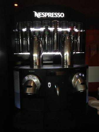 Hotel Oca Vila de Allariz:                   máquina del café