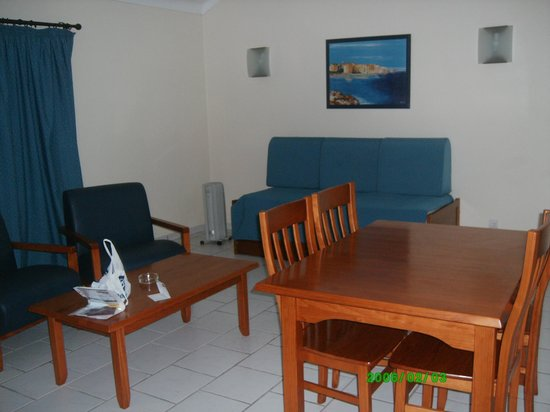 Ouratlantico Apartamento Turisticos:                   Living room (also has a kitchenette)