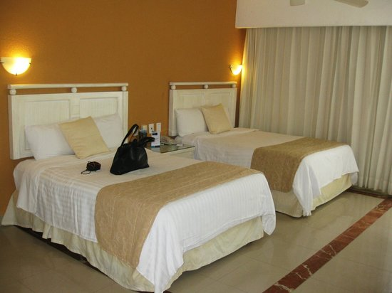 Occidental Costa Cancun:                   double twin room