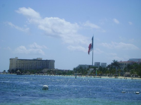 Occidental Costa Cancun:                   view from beach area