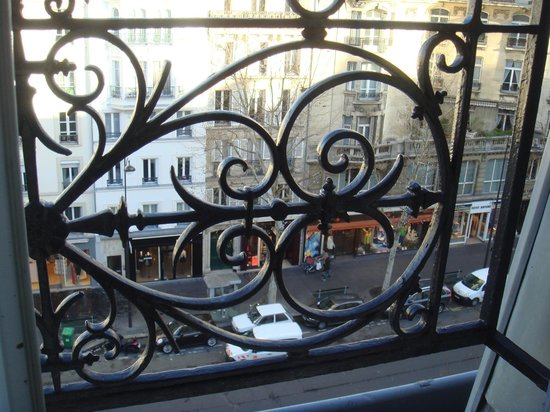 Doisy Etoile Hotel :                   Room with a View