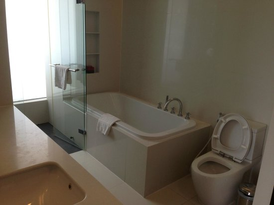 Fraser Suites Sukhumvit:                   Bathroom
