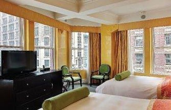Flatiron Hotel: Two Beds