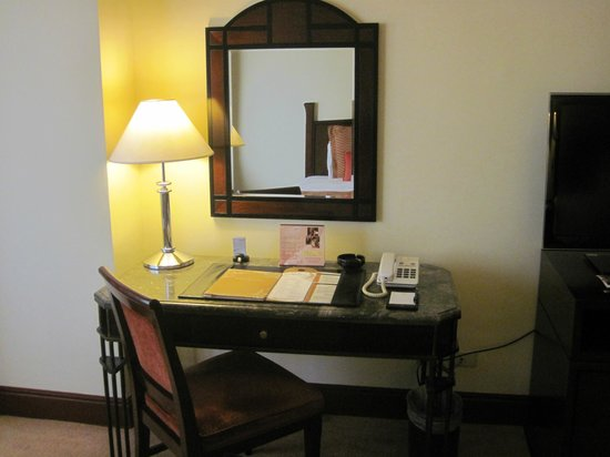 Diamond Hotel Philippines:                                     Superior Twin bed room