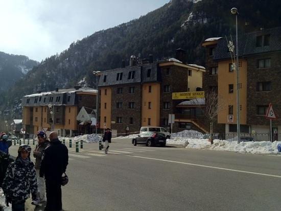 St Gothard Hotel:                   front entrance of hotel