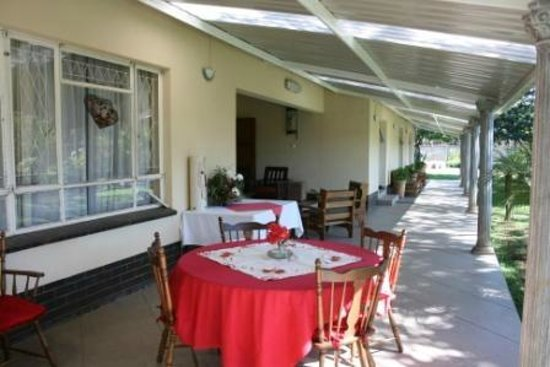 Guinea Fowls Rest B&B :                   Where breakfast is served