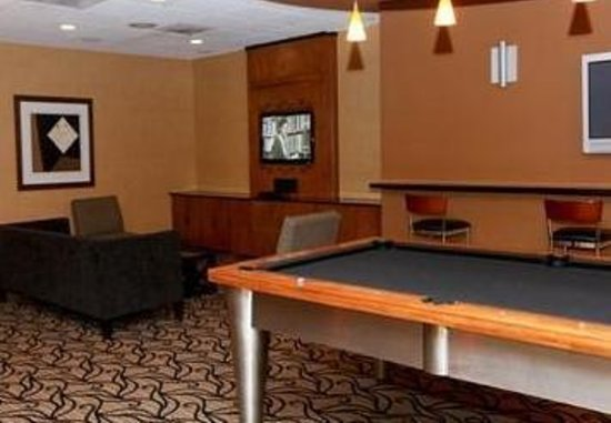 Grand Plaza: Residence Lounge Pool Table