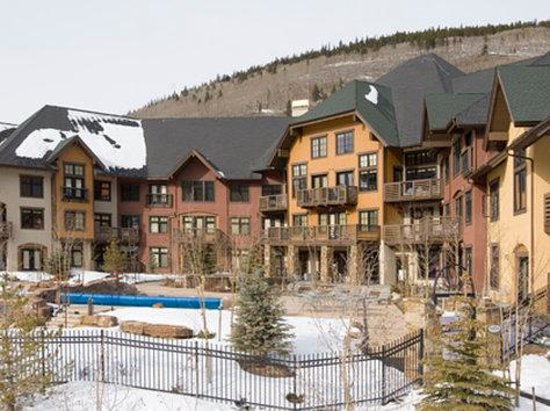 Center Village at Copper Mountain: The Cirque