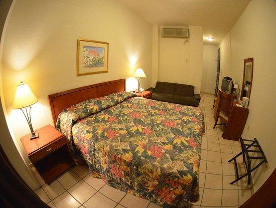 Hotel Plaza De Armas: Suite One King Bed