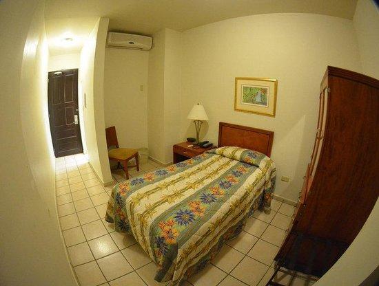 Hotel Plaza De Armas: Room