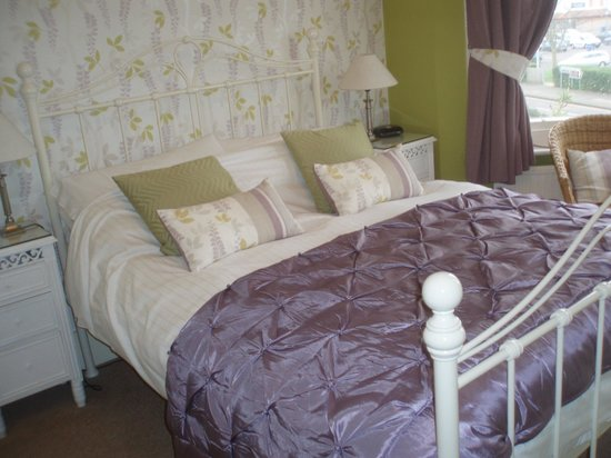 The Langtons Guesthouse: The Garden Room - Sea View