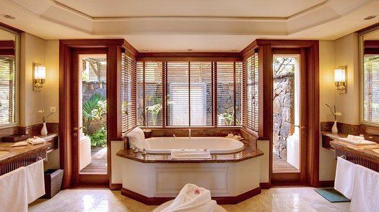 Constance Le Prince Maurice: Beach Villa Bathroom