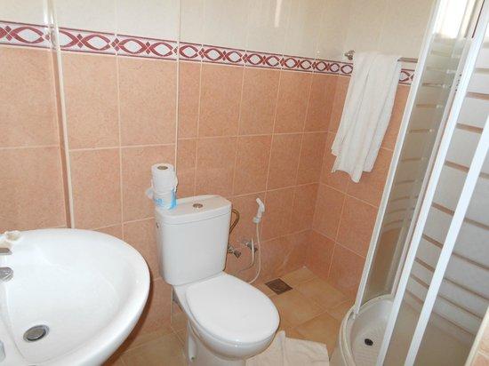Osy Grand Hotel:                   Bathroom