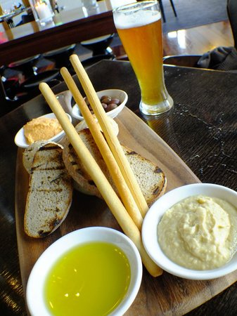Fairmont Resort Blue Mountains - MGallery Collection :                   Share dips plate