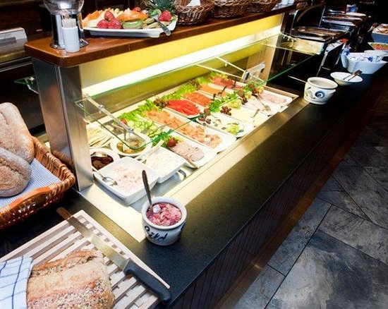 First Hotel Kristiansand: Breakfast