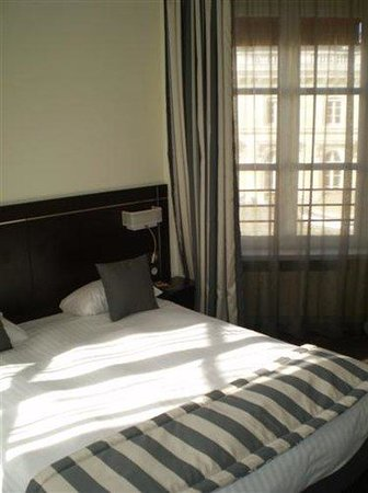 Kyriad Paris 10 - Gare De L'Est : Double Room