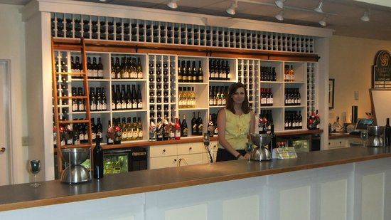 Dobson, Carolina del Norte:                   Shelton Tasting Room (Facility is much larger)