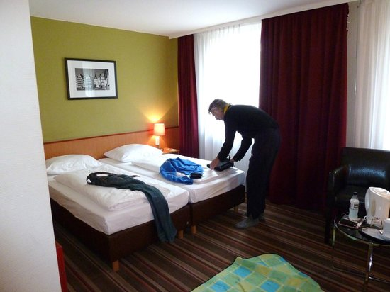 Leonardo Hotel Frankfurt City Center:                   the beds were comfortable