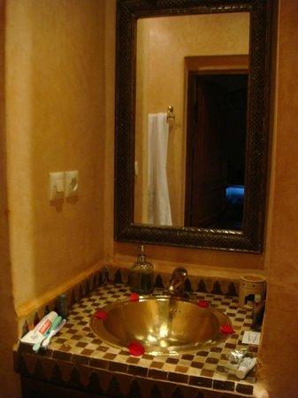 Riad Zayane:                   Bathroom