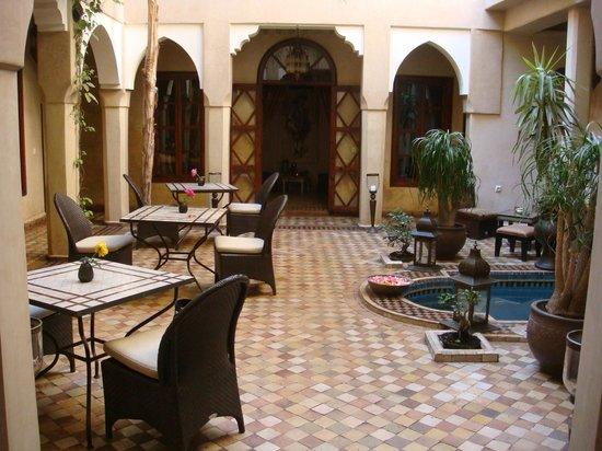 Riad Zayane:                   internal courtyard