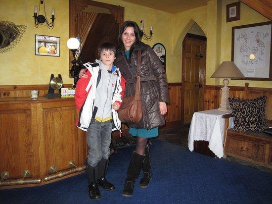 Glenshandan Lodge:                   amazing Hall :)